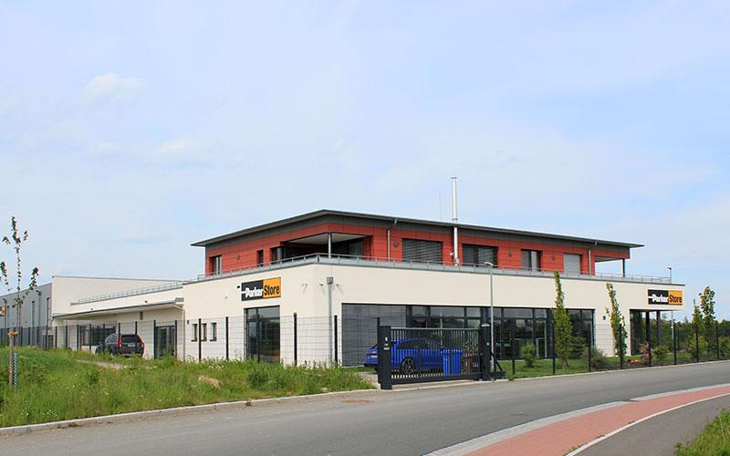 Parkerstore, Veitshöchheim: Entwässerungskanalarbeiten, Rohbauarbeiten, Außenanlagen inkl. Asphalt